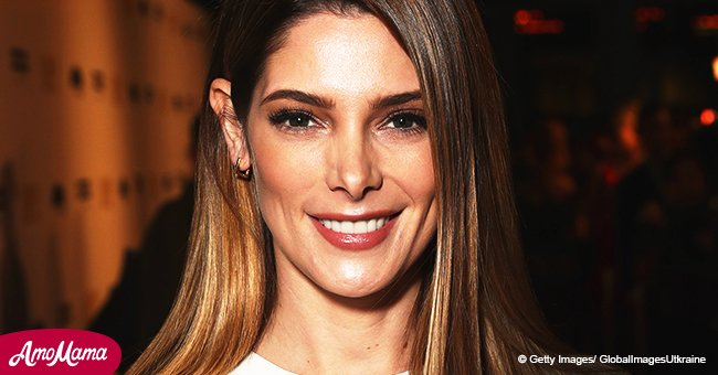 'Twilight' star Ashley Greene flaunts her toned legs as she sports a short, pink floral dress