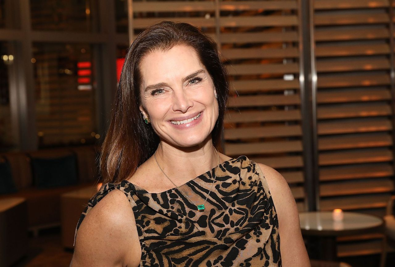 Brooke Shields attends Art Miami 2018 Lifetime Visionary Award Dinner Honoring Dennis & Debra Scholl at Boulud Sud Miami on December 6, 2018 in Miami, Florida. | Source: Getty Images