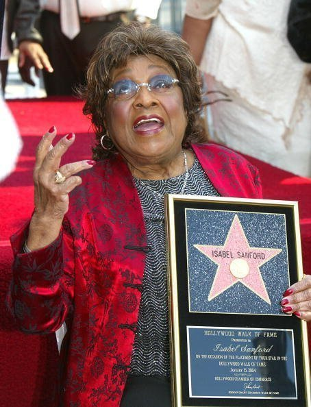 Isabel Sanford honored with a star on the Hollywood Walk of Fame on January 15, 2004. | Photo: Getty Images