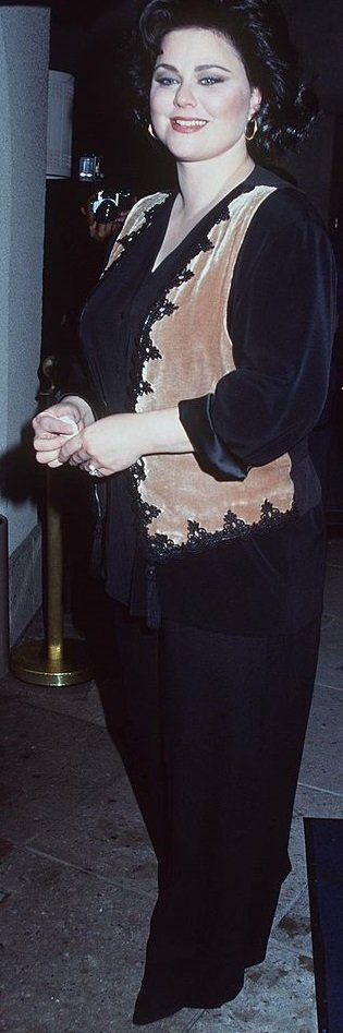 Delta Burke at the CBS press tour on January 5, 1995 | Source: Getty Images