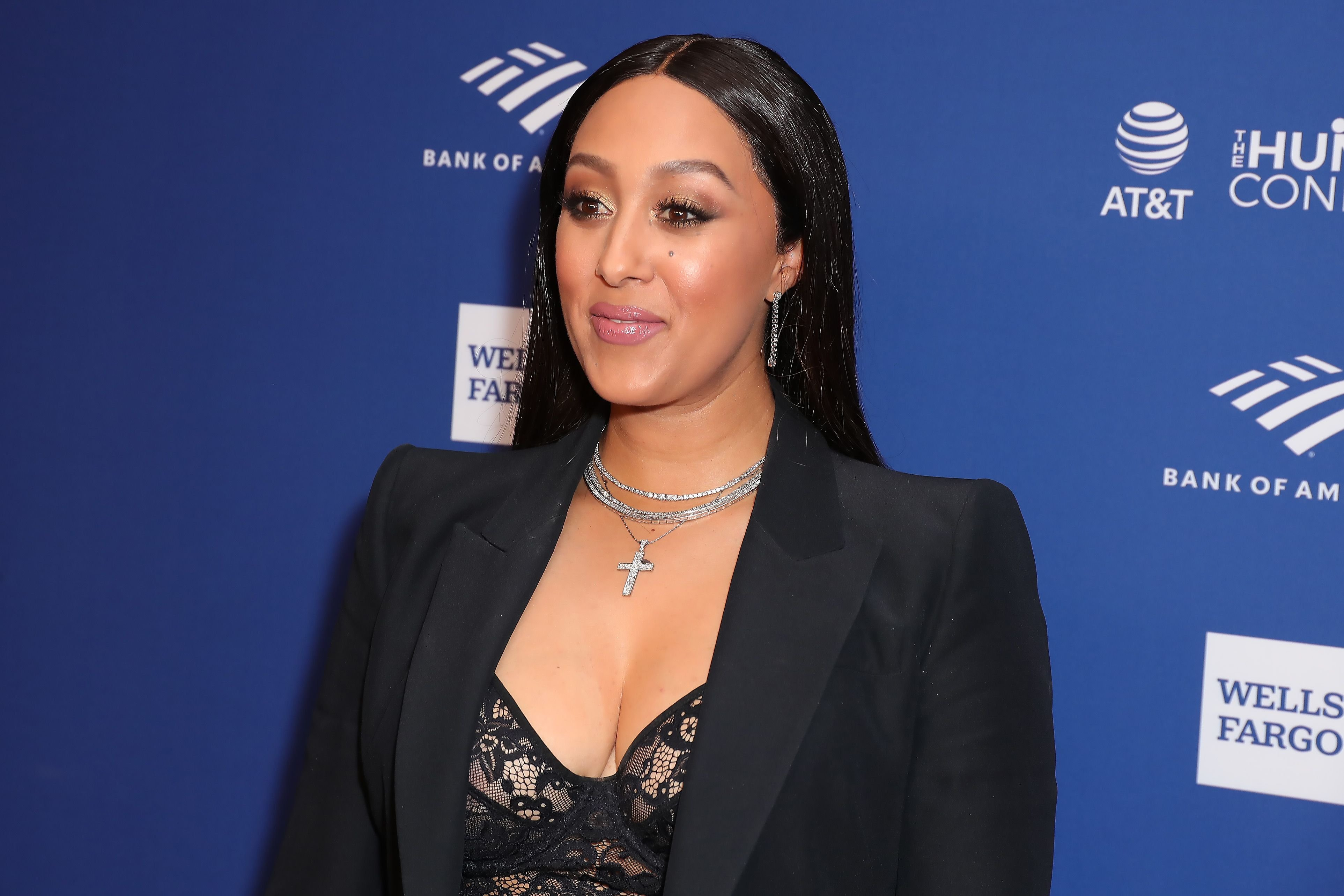 Tamera Mowry-Housley at the 51st NAACP Image Awards - non-televised awards dinner - arrivals on February 21, 2020 in Hollywood, California | Photo: Getty Images