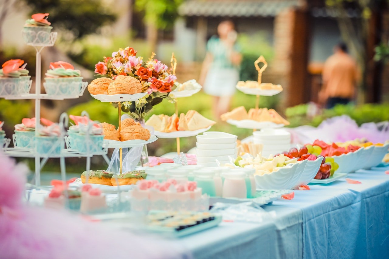 Food at a birthday party   Source: Pexels