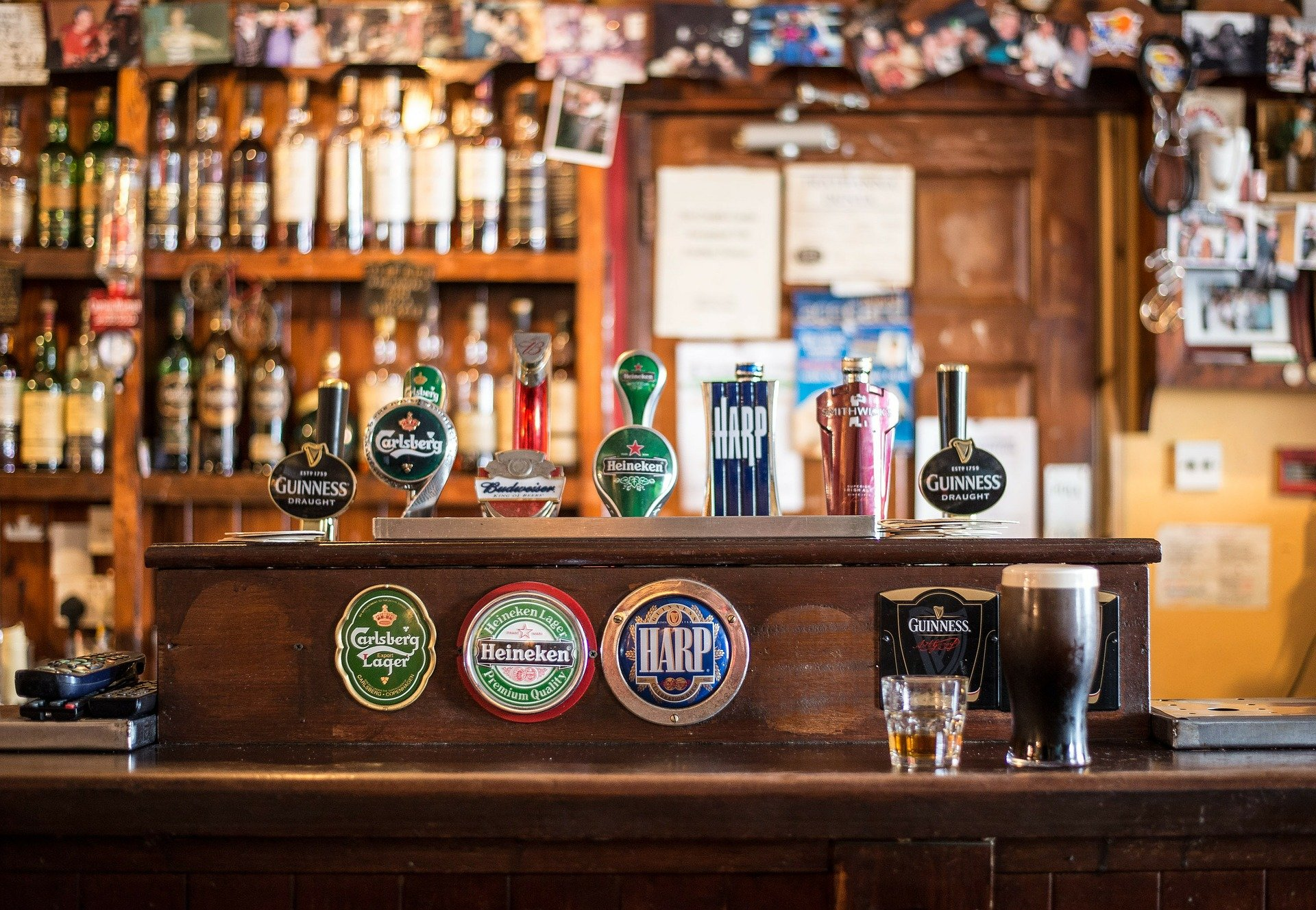 An Irish bar set-up with some beers on tap   Photo: Pixabay/Christian_Birkholz