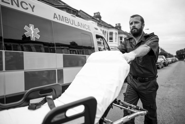 un ambulancier  / Photo : Unsplash