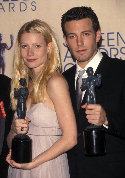 Gwyneth Paltrow and Ben Affleck on March 7, 1999 at the Shrine Auditorium in Los Angeles, California. | Photo: Getty Images