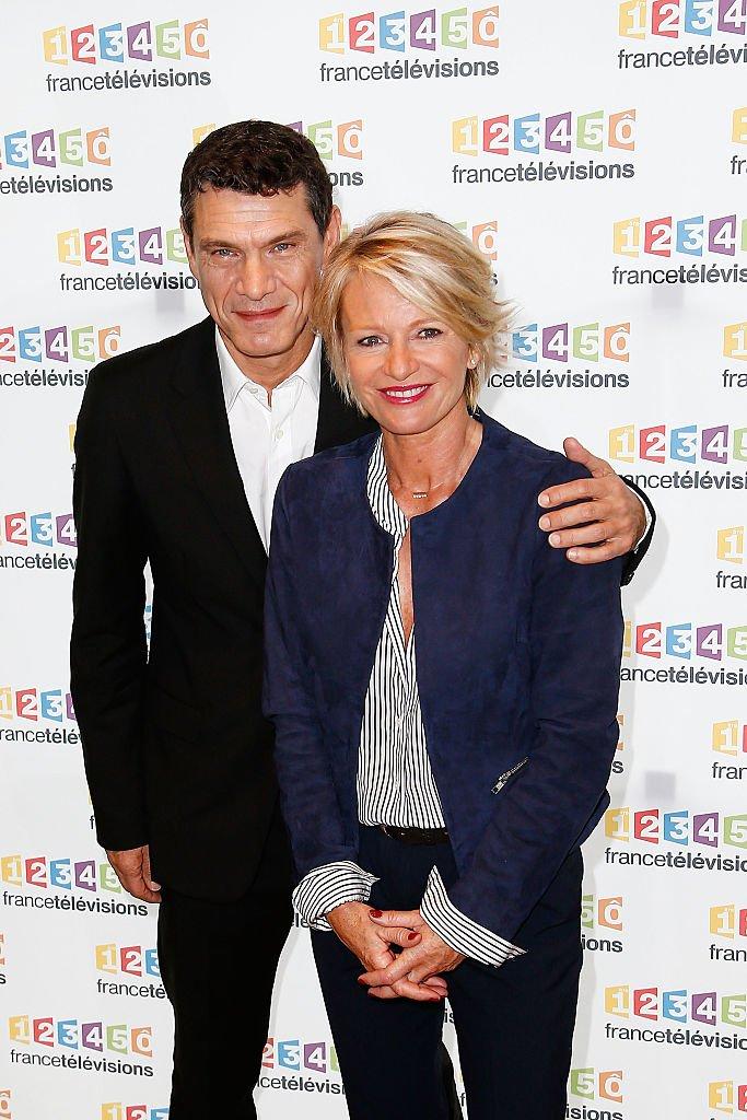 Sophie Davant et Marc Lavoine pour le Téléthon en 2015. l Source : Getty Images