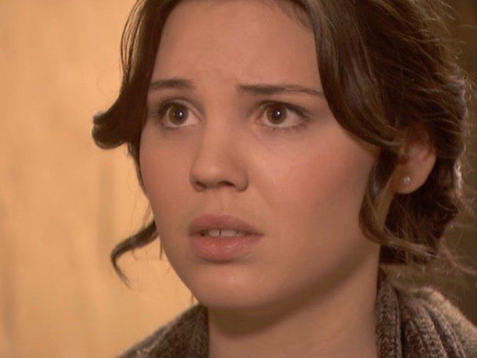 Paula Ballesteros en un capítulo de El Secreto de Puente Viejo. | Foto: YouTube/TubiamoTV