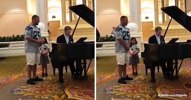 """Un père a chanté la sérénade à sa fille en lui chantant """"Ave Maria"""" à Disneyworld, et son interprétation est vite devenue virale"""