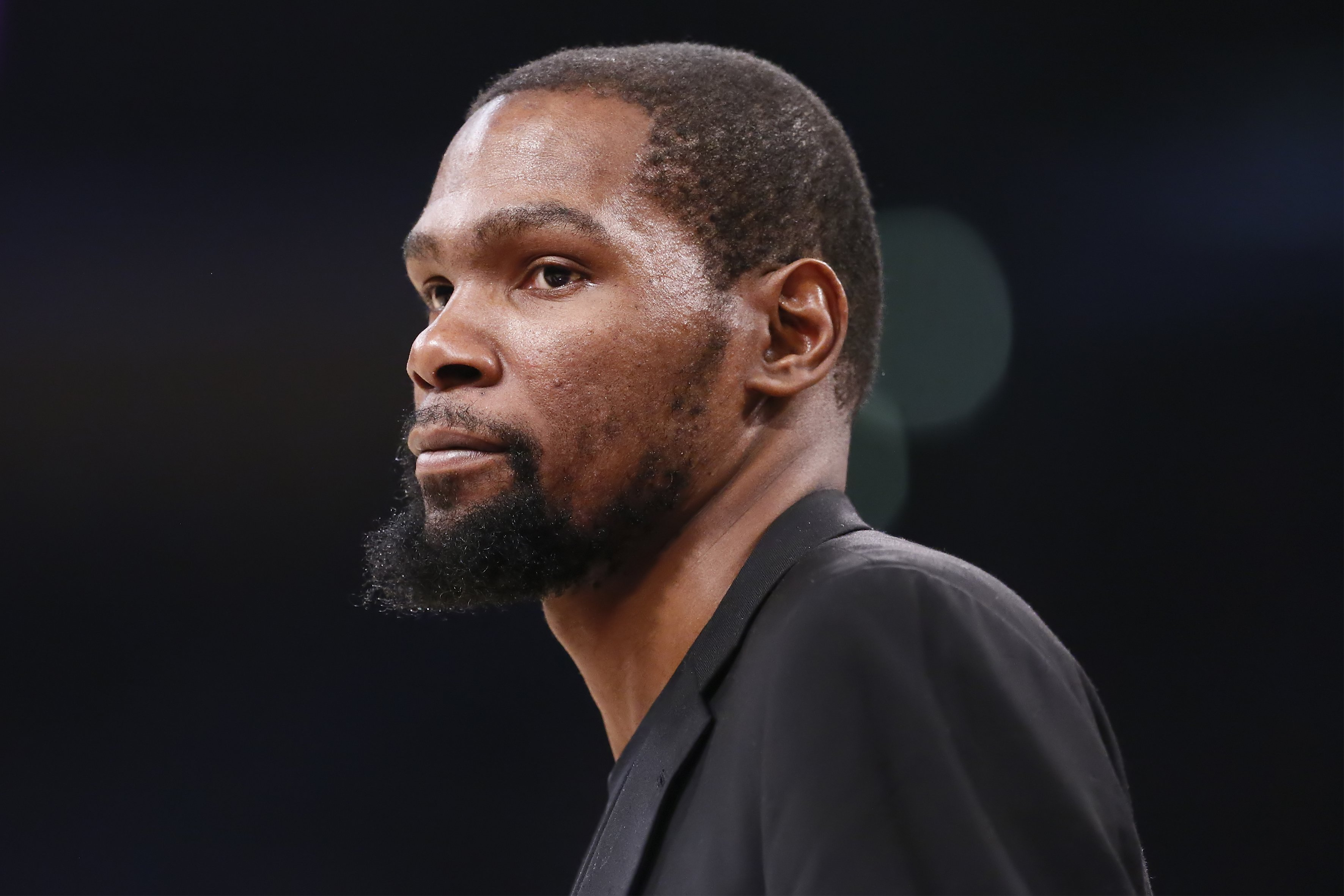 Kevin Durant looks on during a game at the Staples Center on March 10, 2020 in Los Angeles, CA | Photo: GettyImages