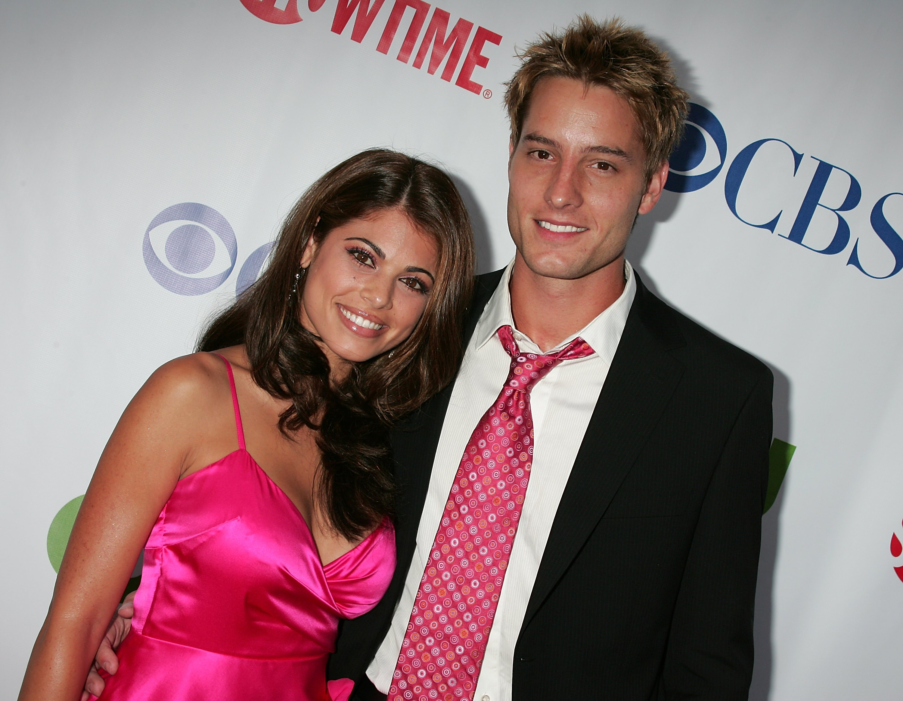 Lindsay Hartley (L) and Justin Hartley attend the CW/CBS/Showtime/CBS Television TCA party at Boulevard3 on July 18, 2008, in Hollywood, California. | Source: Getty Images.
