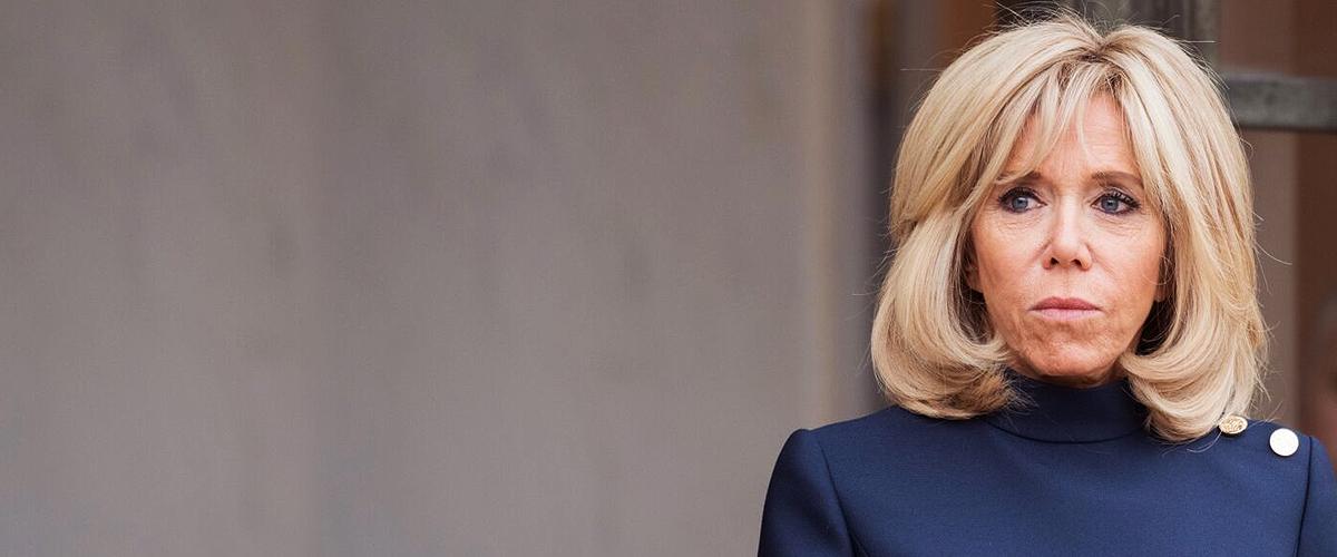 Un sac poubelle s'écrase aux pieds de Brigitte Macron lors de sa visite à Marseille