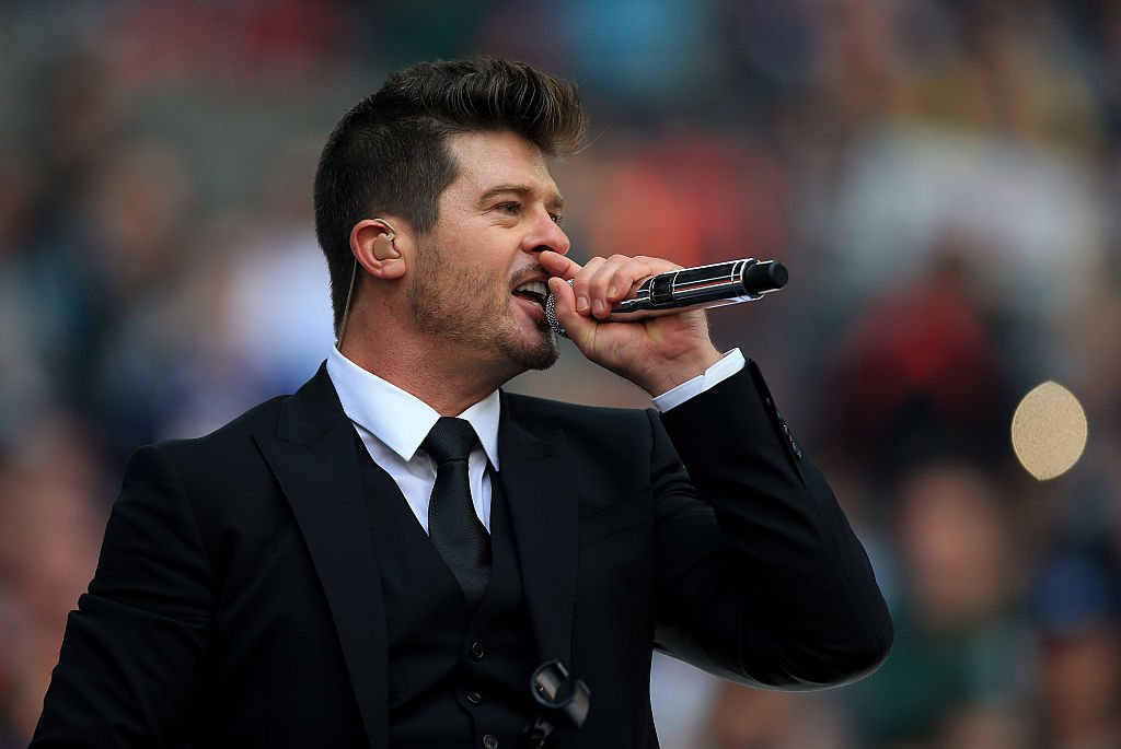 Robin Thicke performs ahead of the NFL International Series match at Wembley Stadium on October 2, 2016 in London, England | Photo: Getty Images