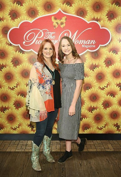 Ree Drummond and Paige Drummond at The Mason Jar on June 6, 2017 in New York City. | Photo: Getty Images