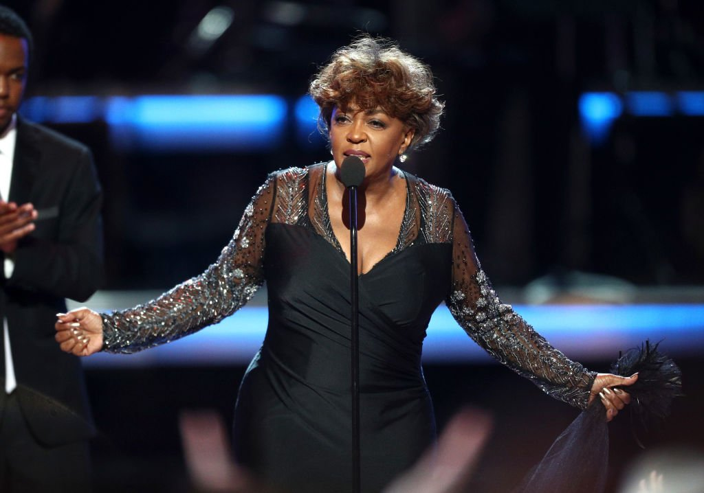 Anita Baker accepts the BET Lifetime Achievement Award onstage at the 2018 BET Awards  on June 24, 2018 | Photo: Getty Images