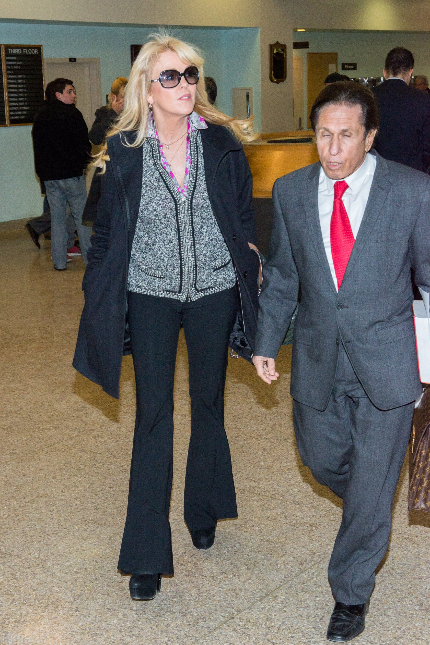 Dina Lohan in court for a hearing with her attorney Mark Heller at Nassau County First District Court in Hempstead, New York | Photo: Mike Pont/Getty Images