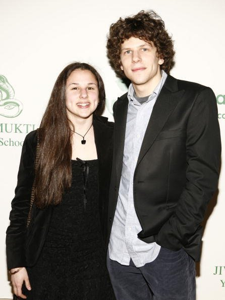 Hallie Eisenberg and Jesse Eisenberg at the Jivamukti Yoga School on April 7, 2007 in New York City. | Photo: Getty Images