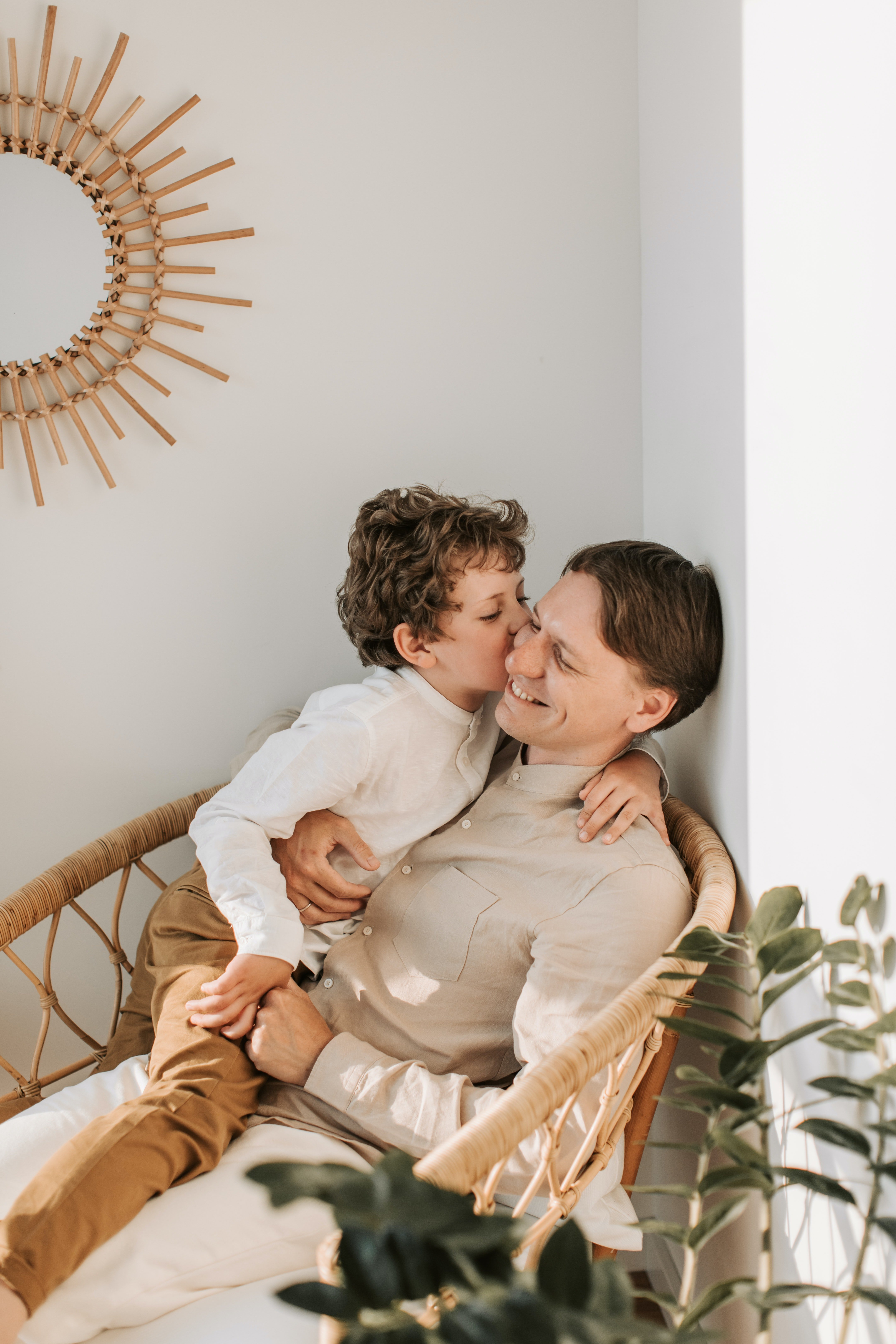 The little boy was happy to have his father back, and loved to ask him questions.   Photo: Pexels/Vlada Karpovich