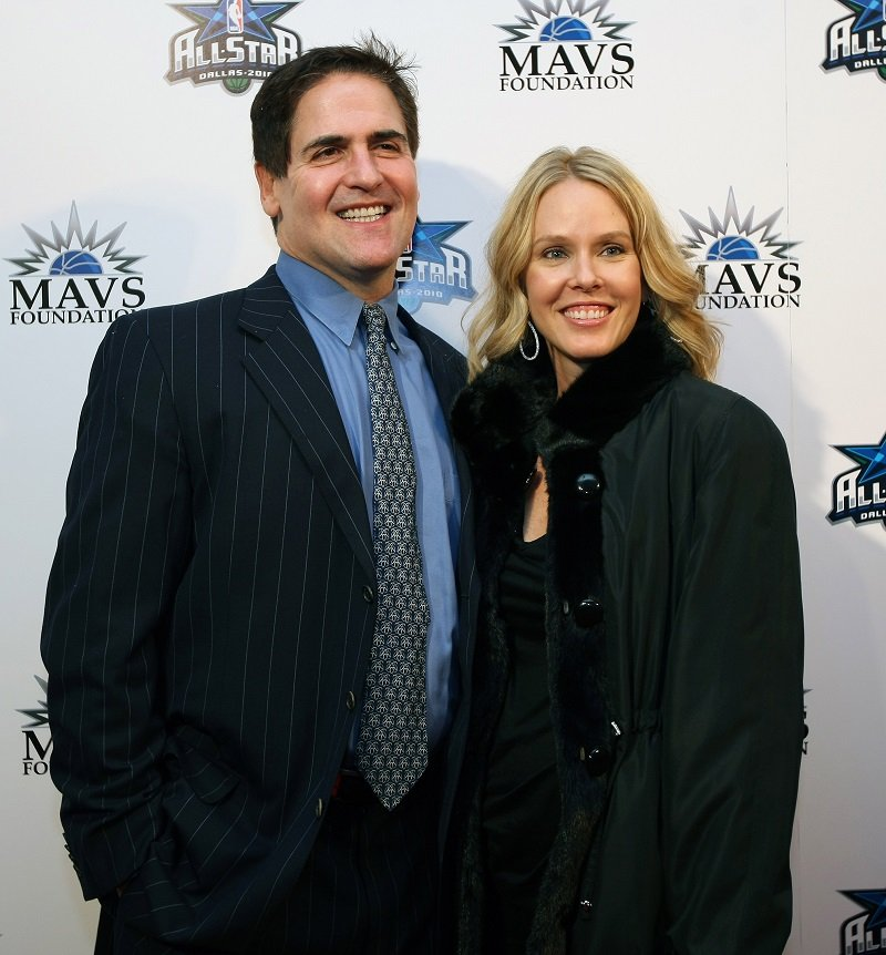 Mark Cuban and Tiffany Stewart on February 11, 2010 at the Majestic Theater in Dallas, Texas | Photo: Getty Images