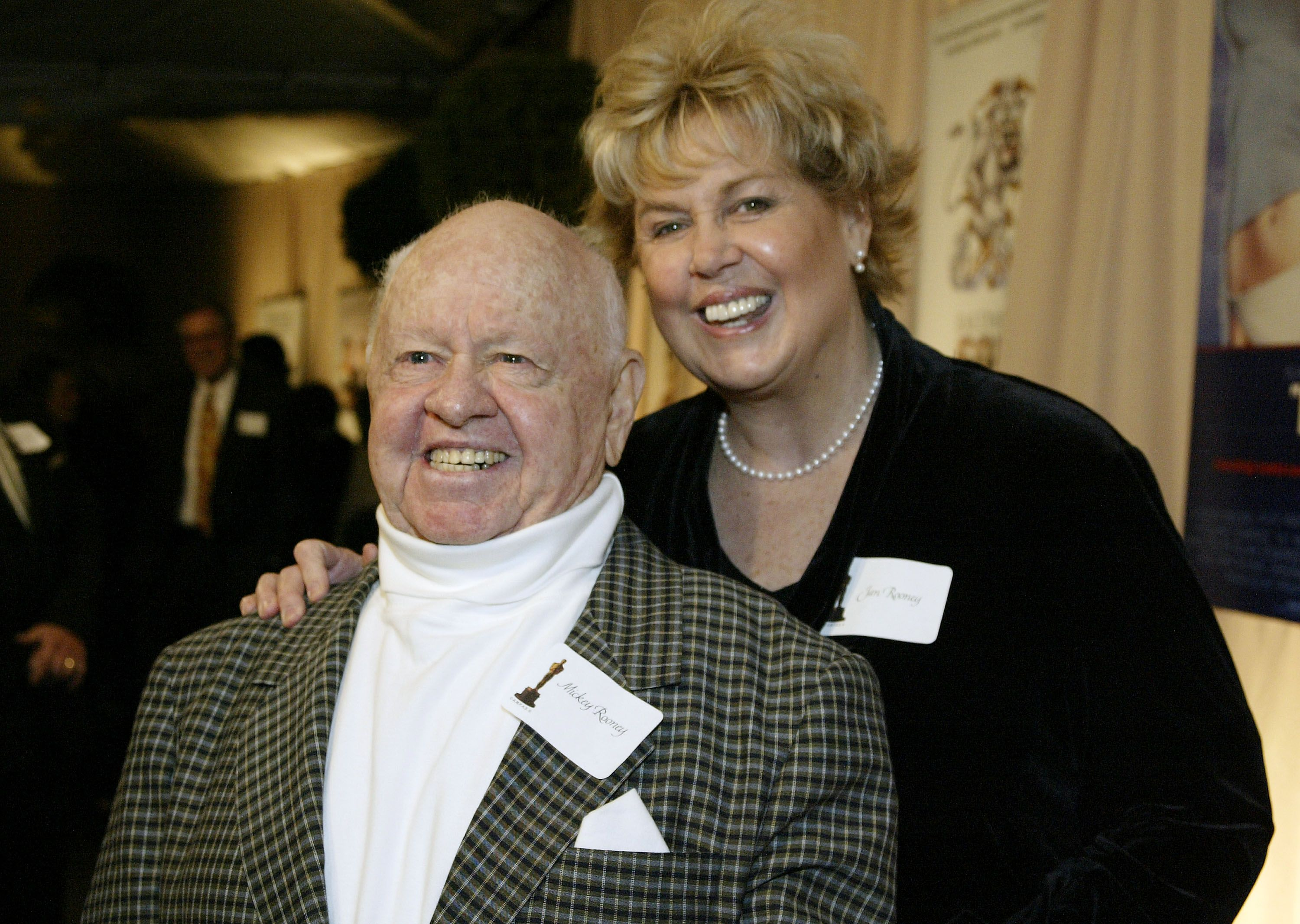 Mickey and wife Jan Rooney at a reception in honor of director Blake Edwards on February 26, 2004, at The Annex in Hollywood, California | Photo: Doug Benc/Getty Images