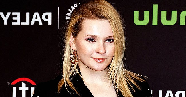 'Little Miss Sunshine' Star Abigail Breslin's Father Passes Away after Contracting COVID-19