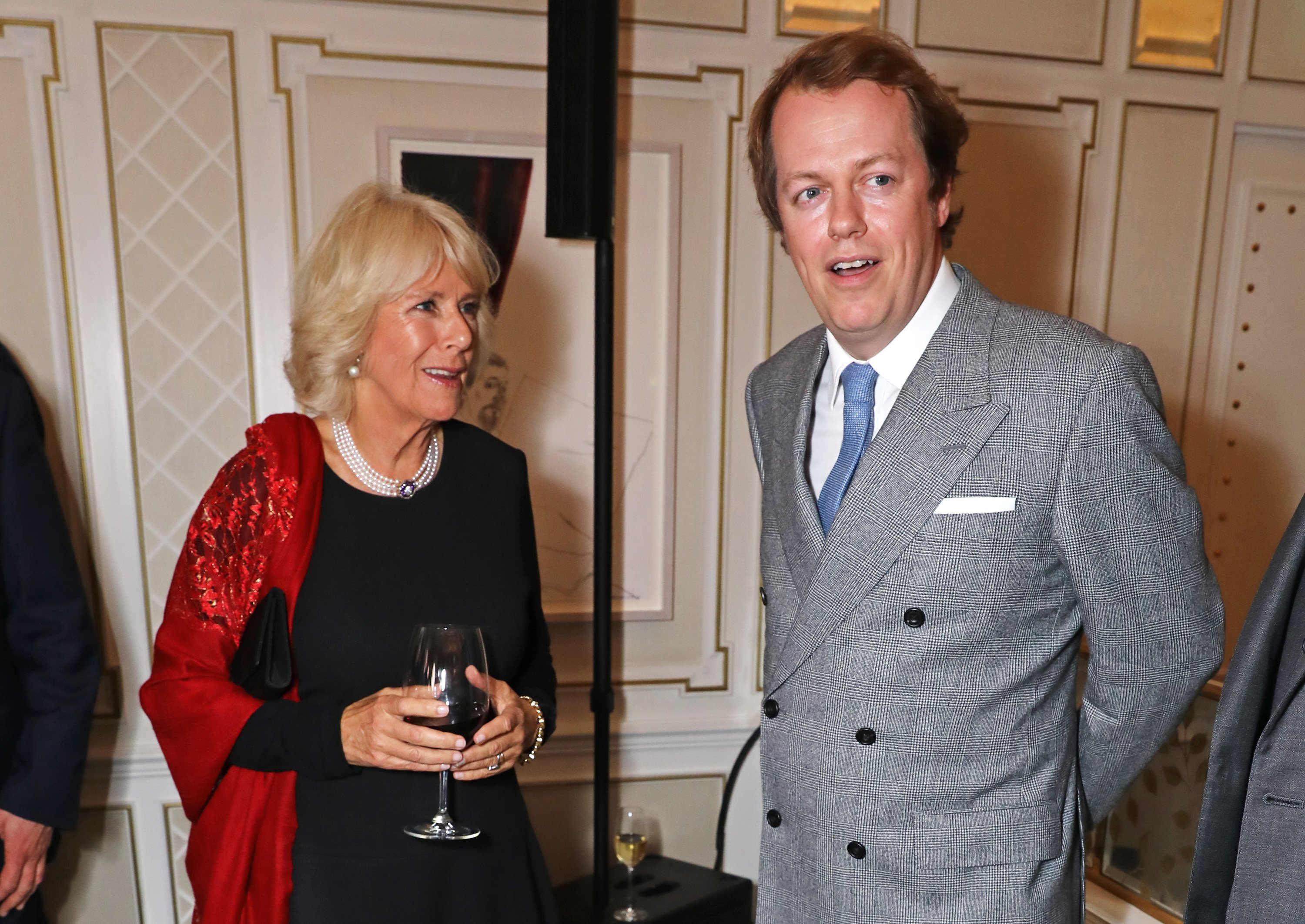 Camilla Parker-Bowles and her son, Tom Parker-Bowles in London on October 2016    Photo: Getty Images