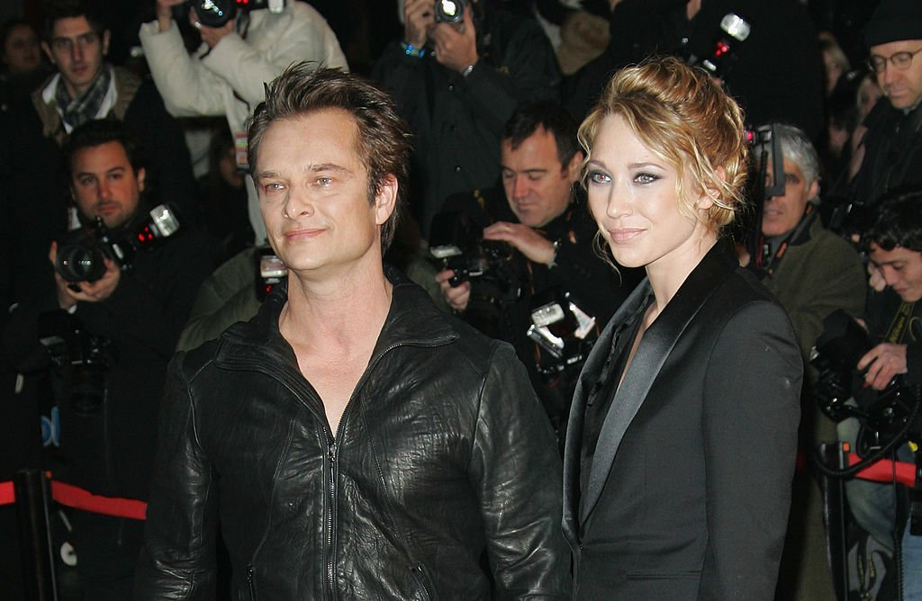 David Hallyday et Laura Smet aux NRJ Music Awards au Palais des Festivals à Cannes, le 23 janvier 2010. | Source : Getty Images.
