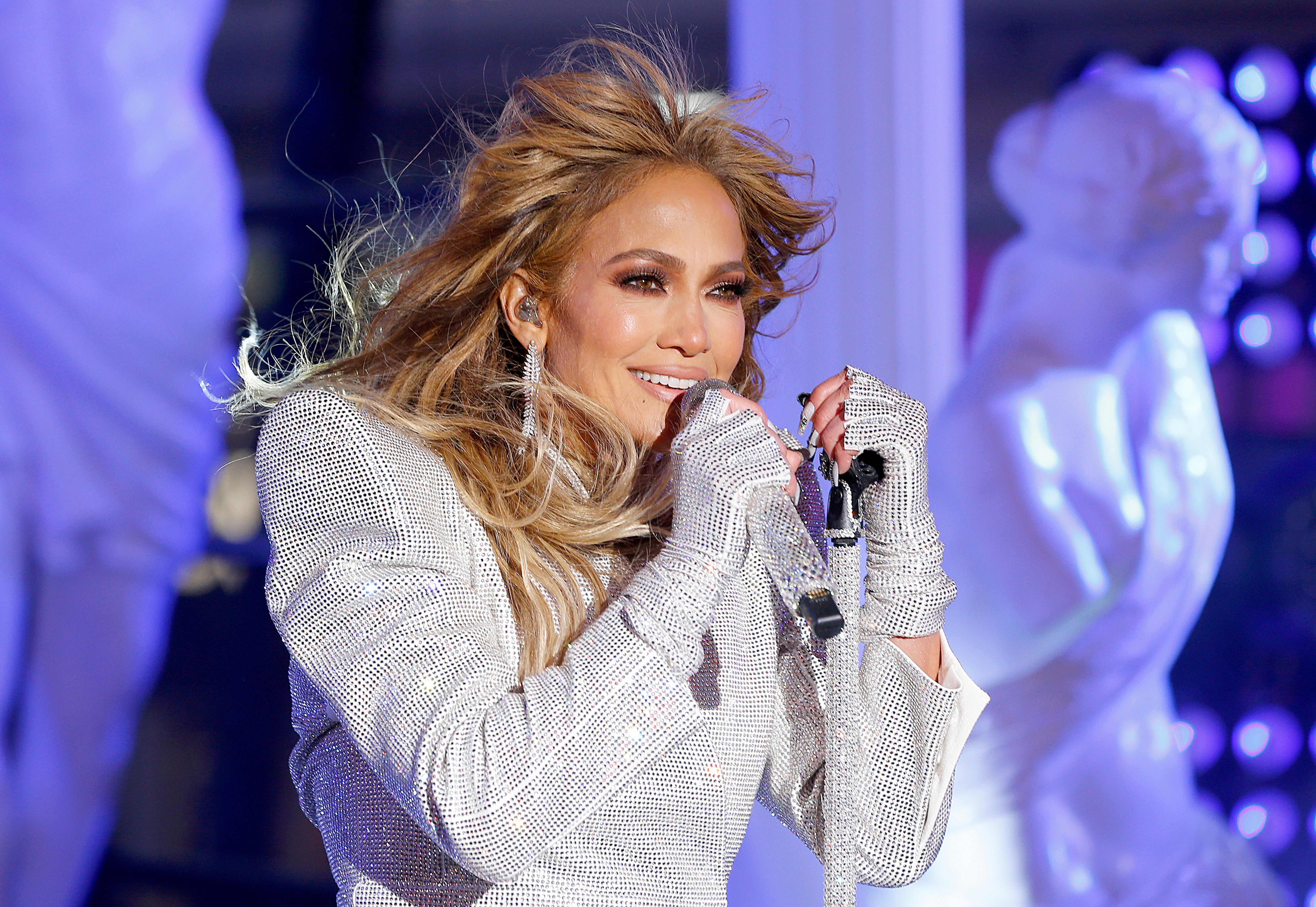 Jennifer Lopez performs live from Times Square at 2021 New Year's Eve celebrations on December 31, 2020 | Photo: Getty Images