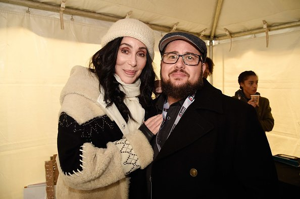 Cher and Chaz Bono at the rally at the Women's March in Washington, DC.| Photo: Getty Images.