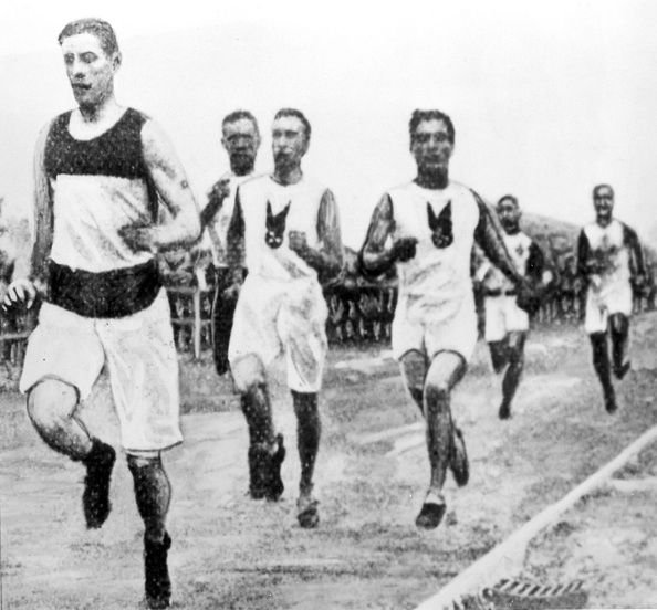 Image of the 1904 Olympic Marathon | Source: Getty Images
