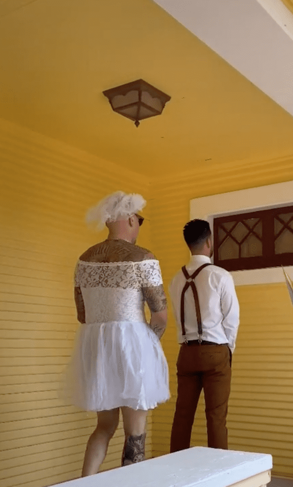 A groomsman is about to surprise the groom who thinks he is about to see his bride | Photo: TikTok/j_fama