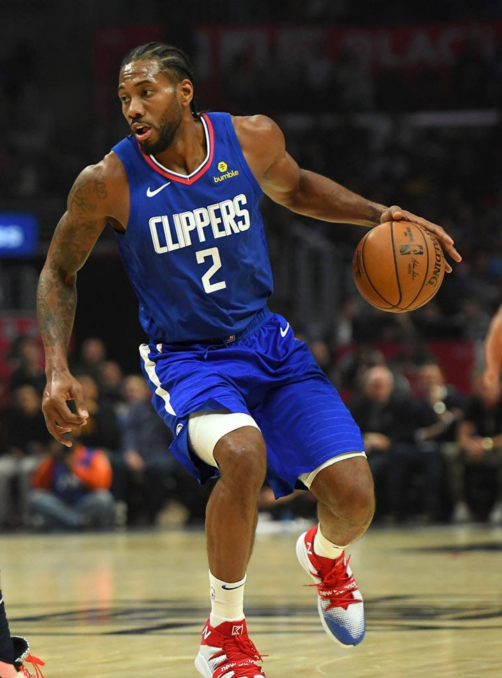 Kawhi Leonard, #2 of the Los Angeles Clippers takes the ball down court in the game against the New Orleans Pelicans at Staples Center on November 24, 2019 in Los Angeles, California. I Image: Getty Images.