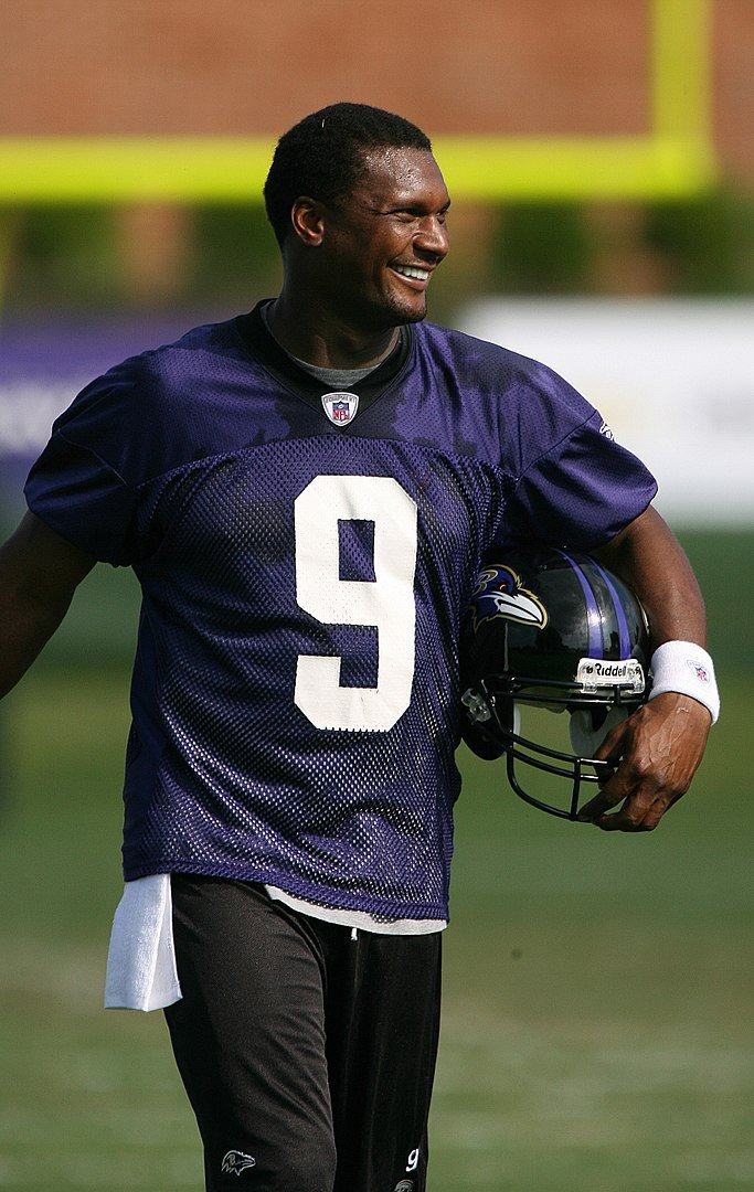 Steve McNair, retired American football quarterback for the Baltimore Ravens, August, 2007 | Photo: Wikimedia Commons Images