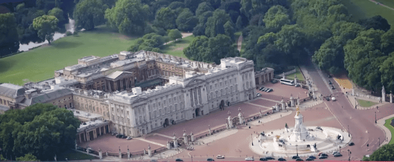 The Buckingham Palace.| Photo: Getty Images.