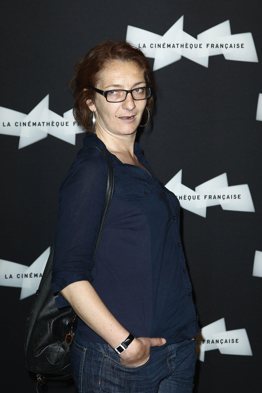 Corinne Masiero dans 'Capitaine Marleau' porte une lunette. | Photo : GettyImage