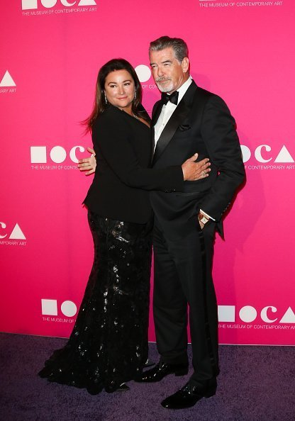 Pierce Brosnan and Keely Shaye Smith at the MOCA Gala 2017 on April 29, 2017 | Photo: Getty Images