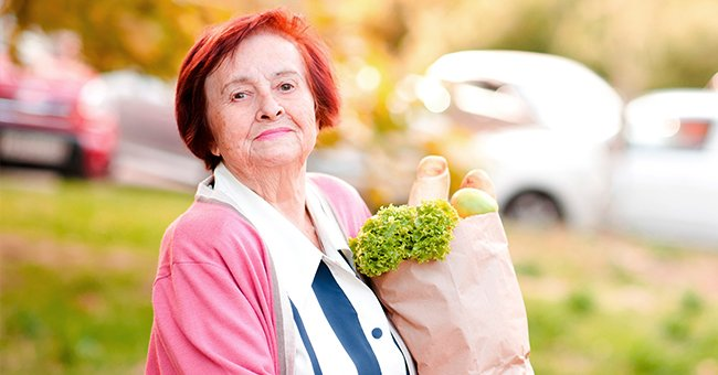 Daily Joke: Elderly Lady Decides to Buy Car but Has Trouble Explaining the Color She Wants