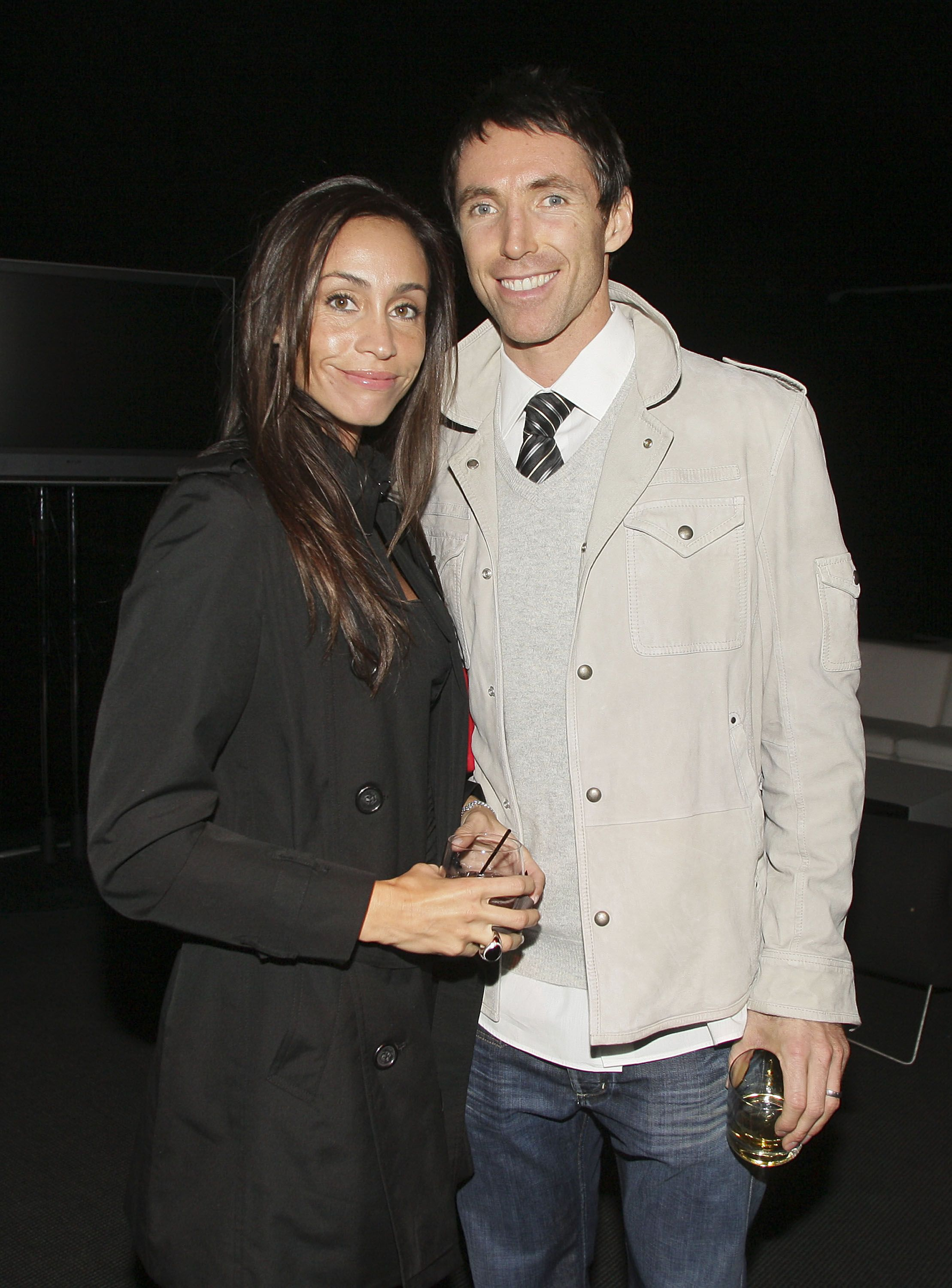 Steve Nash and Alejandra Amarilla at the Ronnie Lott and Donovan McNabb Dinner in 2008 in Phoenix, Arizona | Source: Getty Images