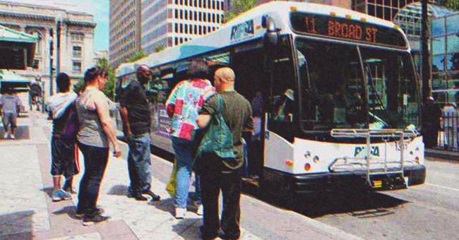 People at the bus station where James was trying to board a bus. | Photo: Shutterstock