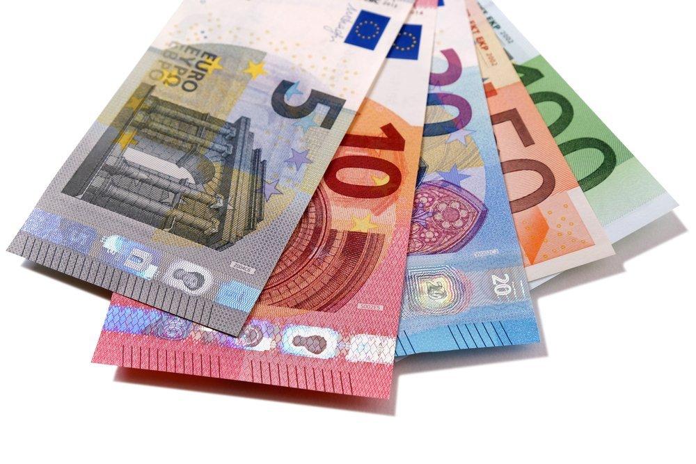 Des billets de 5, 10, 20, 50 et 100 euros. | Shutterstock