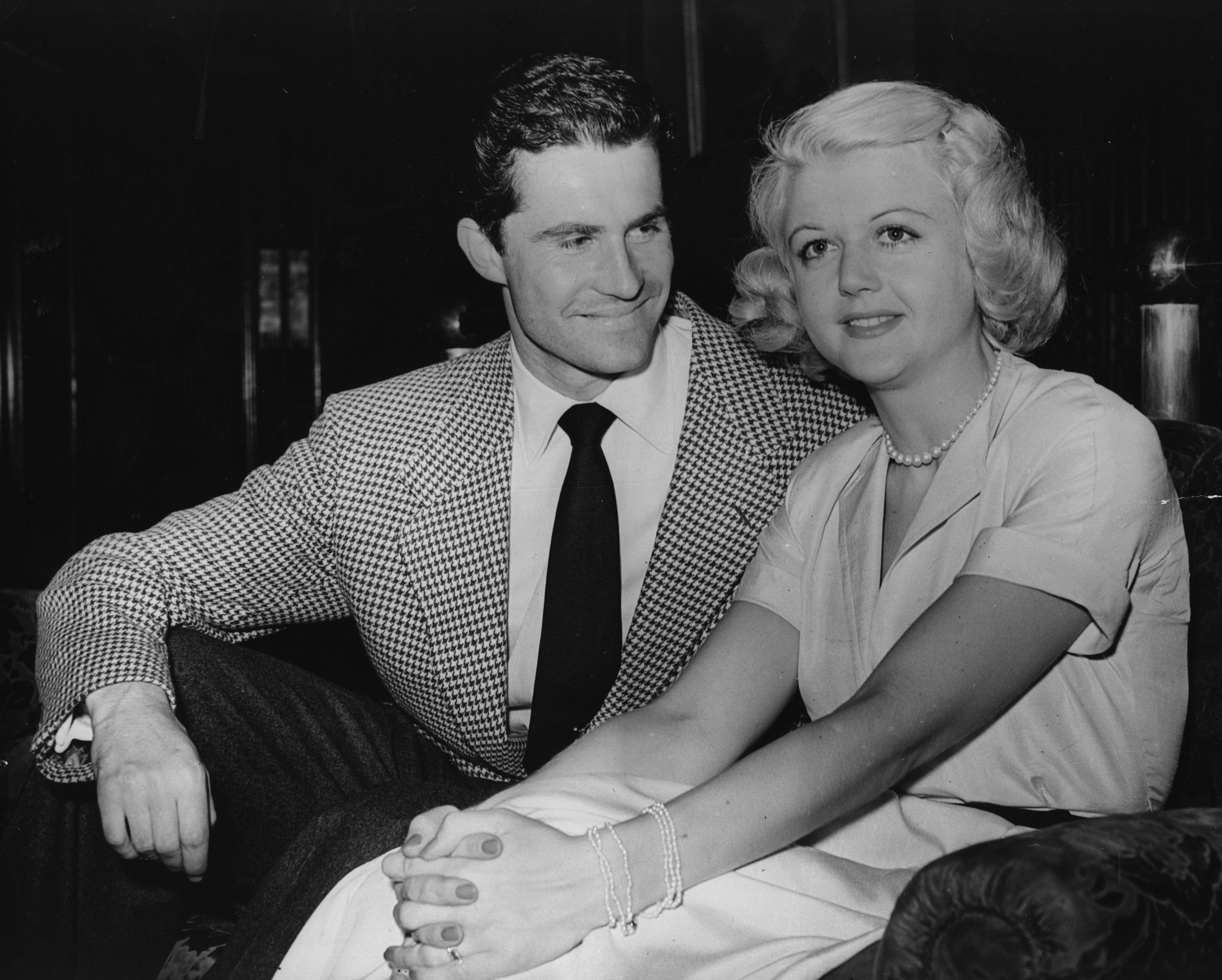 Angela Lansbury with Peter Shaw in London, England on July 27, 1949 | Source: Getty Images