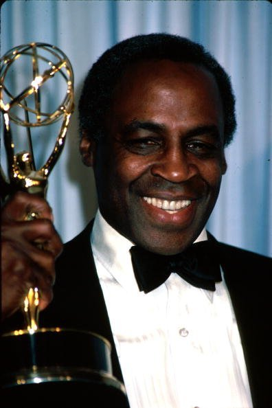 Late actor Robert Guillaume holding up his award in Press Room at Primetime Emmy Awards | Photo: Getty Images
