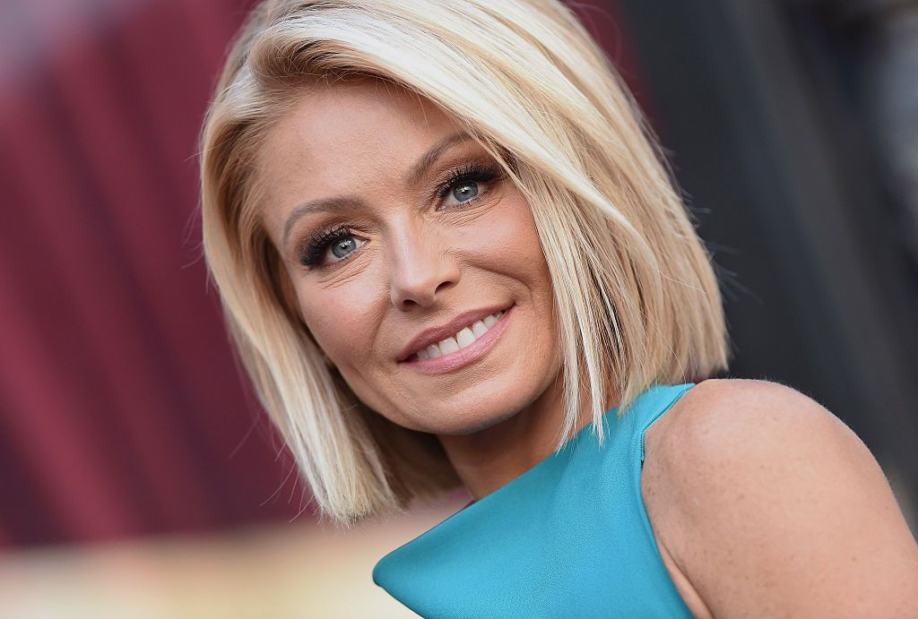 Kelly Ripa honored with a star on the Hollywood Walk of Fame on October 12, 2015, in California | Photo: Axelle/Bauer-Griffin/FilmMagic/Getty Images
