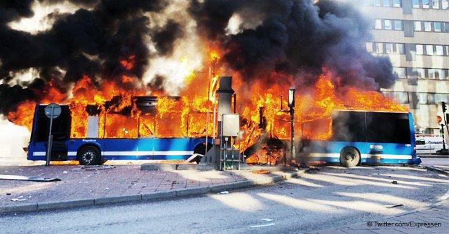 Terror en Estocolmo: Autobús explota y se incendia en el centro de la ciudad