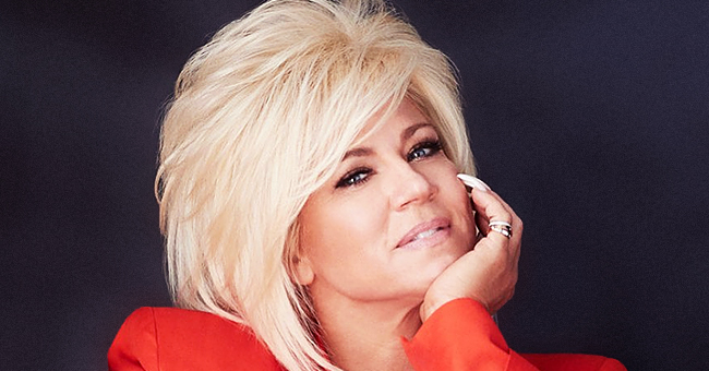 Theresa Caputo Shows off Three Generations of Family by Posing with Her Parents and Daughter