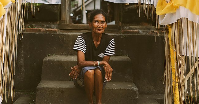 Daily Joke: An Old Lady Sits on Her Front Porch