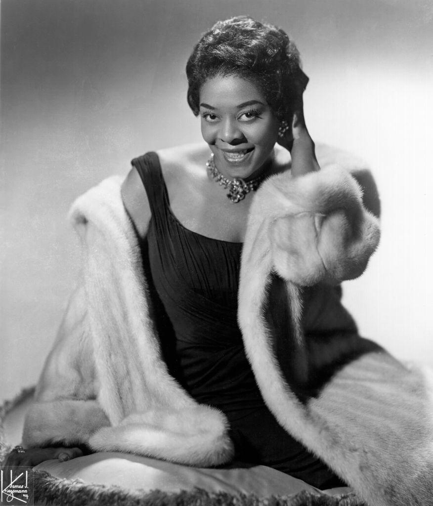 Jazz and pop singer Dinah Washington poses for a portrait circa 1955 | Photo: Getty Images