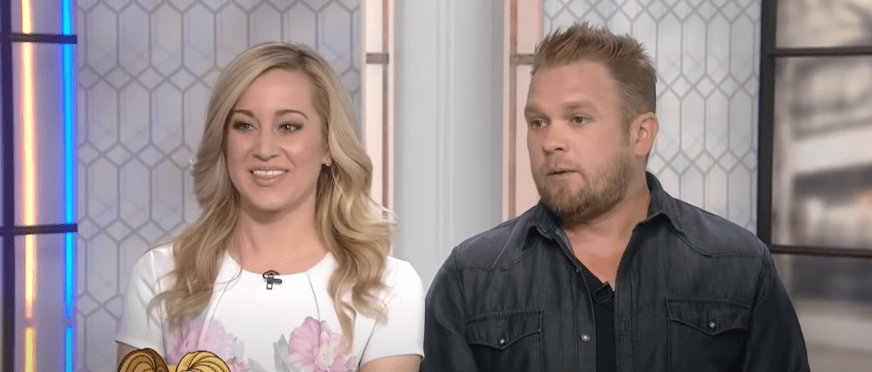 Photo of country star Kellie and her husband, Kyle Jacobs during an interview | Photo: Youtube / TODAY