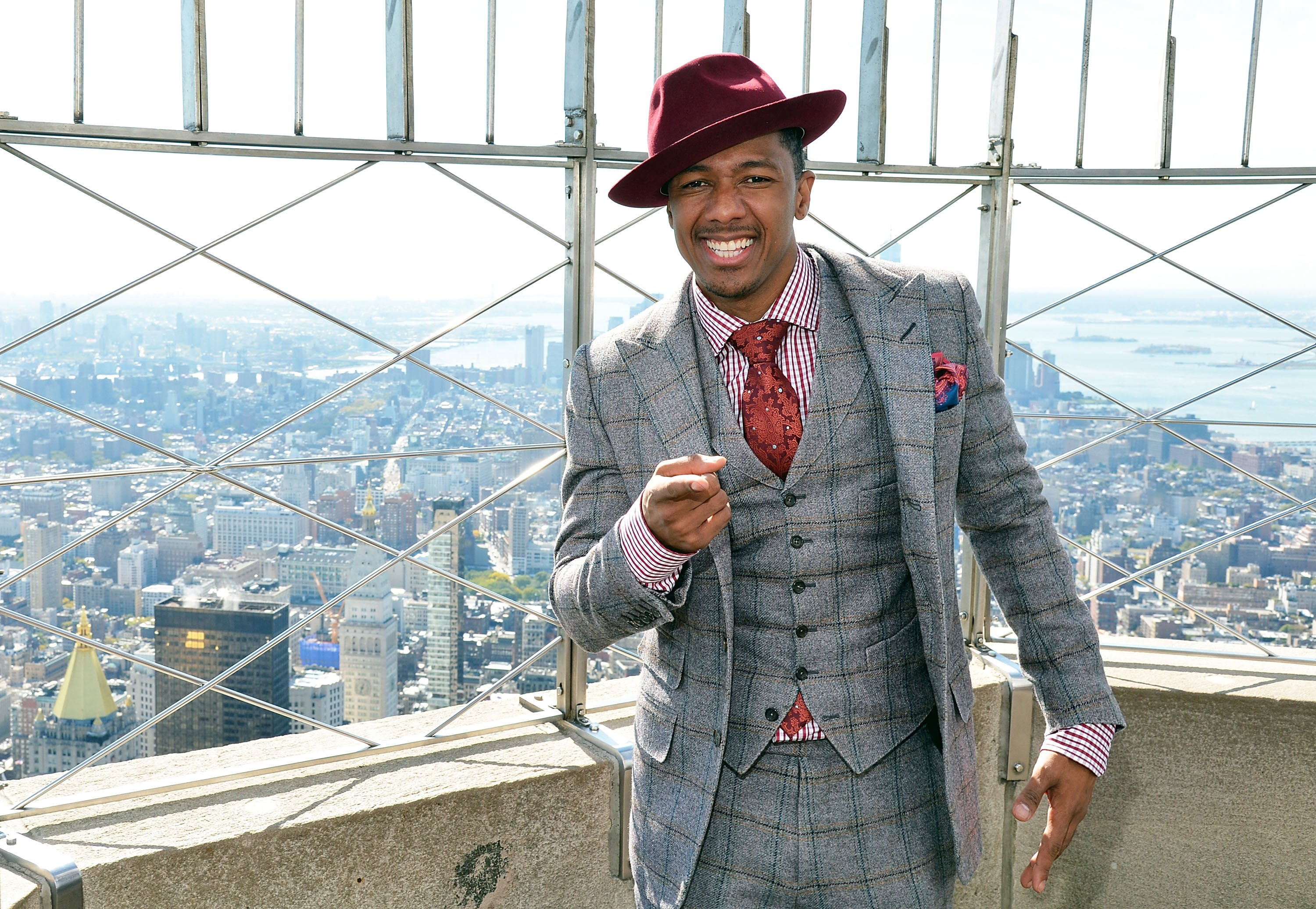 Nick Cannon lights The Empire State Building blue on October 14, 2015  | Photo: Getty Images
