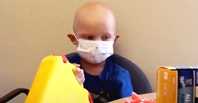 A boy battling cancer shares his special experience of communicating via creative Post-it notes | Photo: Youtube/KMBC