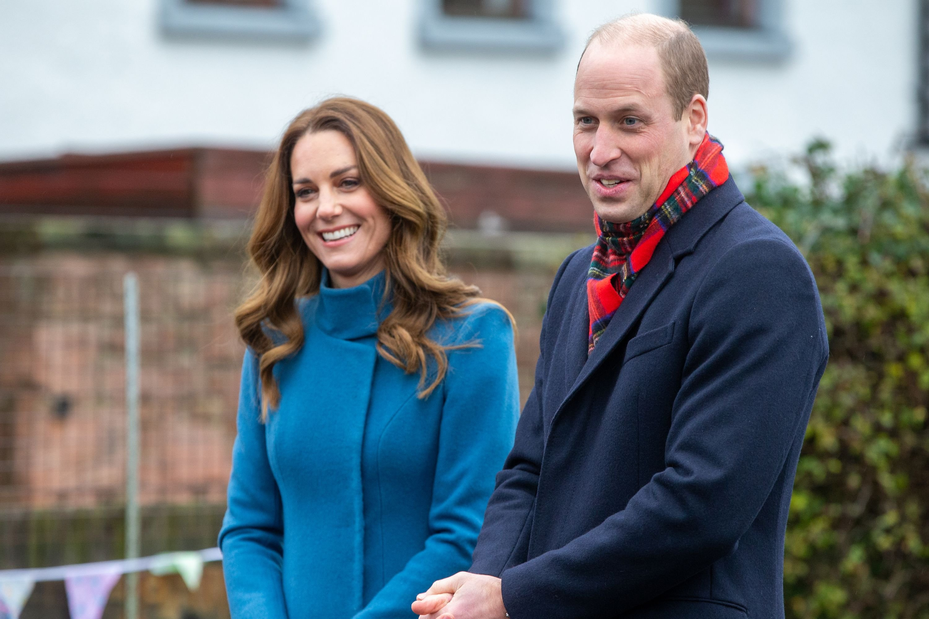 Prince William and Kate Middleton meet staff and pupils from Holy Trinity Church of England First School during their visits across the UK on December 7, 2020 | Photo: Getty Images